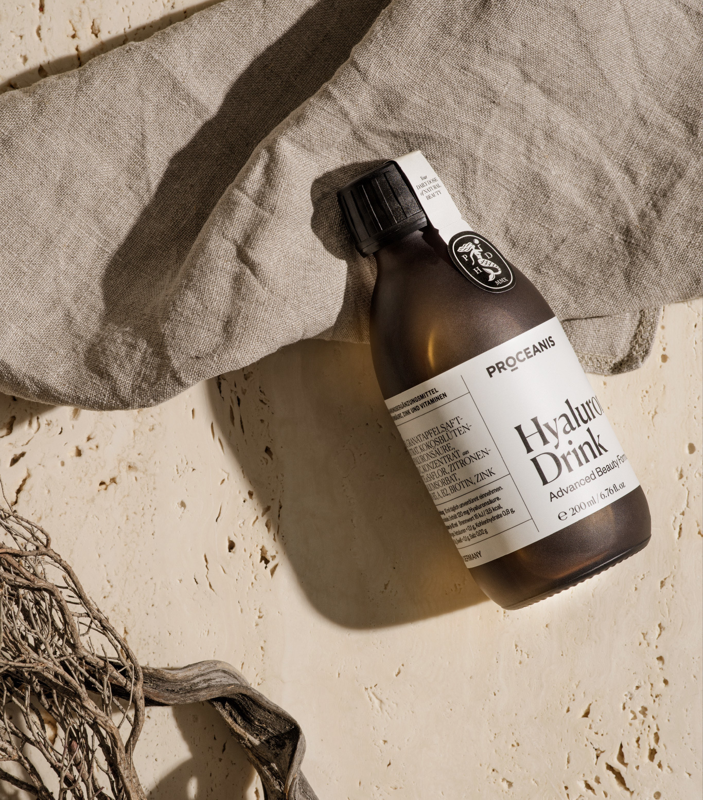 hyaluron drink flasche_tuch_holz_proceanis.com